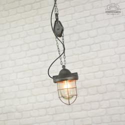 Lampa industrialna z lat 50'