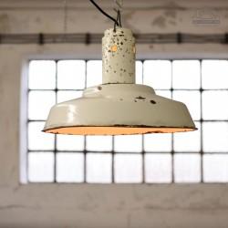 Radziecka lampa industrialna z lat 60'