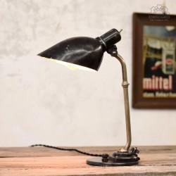 Radziecka lampa biurkowa z 1957 roku